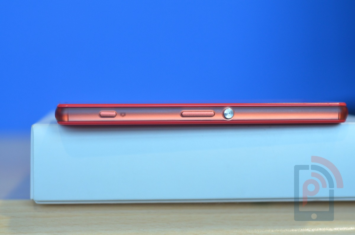 Sony Xperia Z3 Compact Buttons