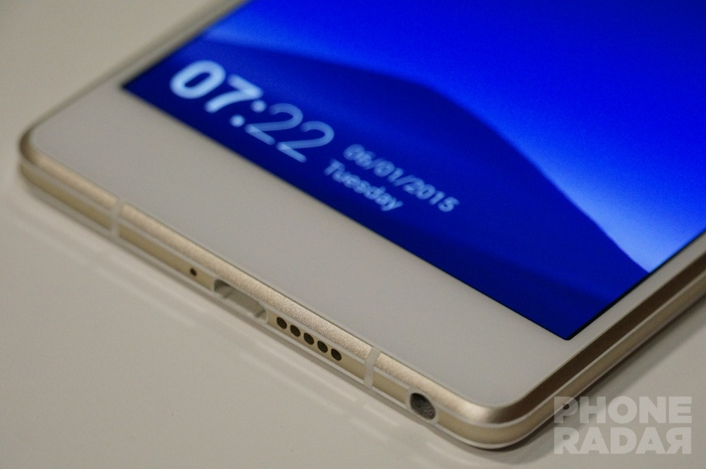 Gionee Elife S7 Hands-on Front Bottom