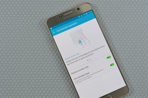 Samsung Galaxy Note 5 One hand operation 6