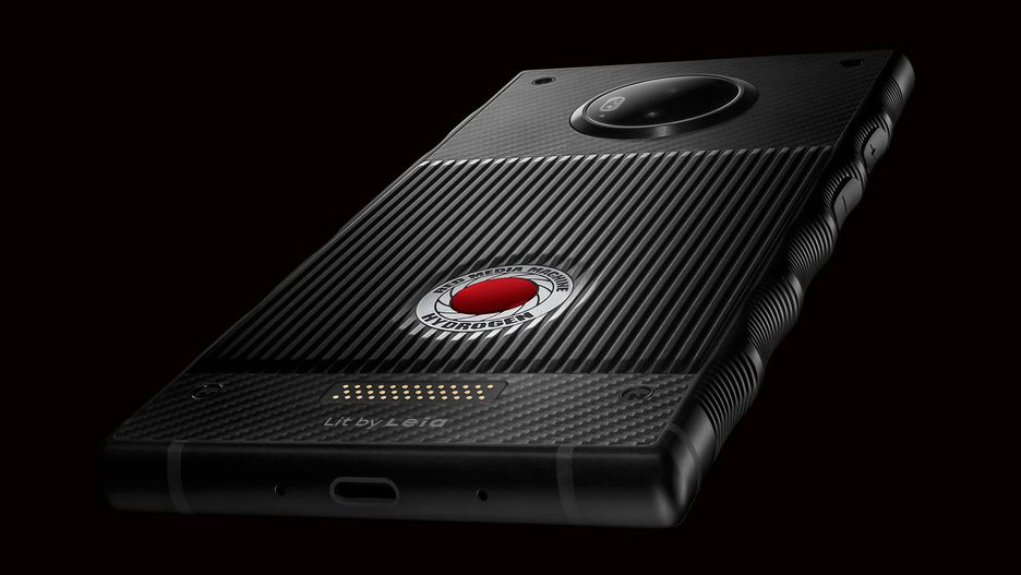 RED delays titanium Hydrogen One, offers free aluminum model to customers